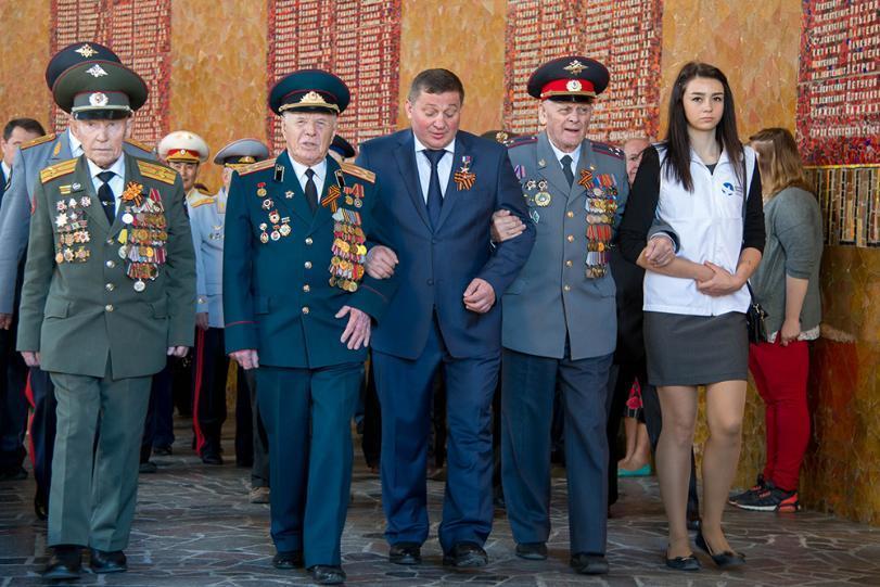 Андрей Бочаров вновь признан одним из худших губернаторов России