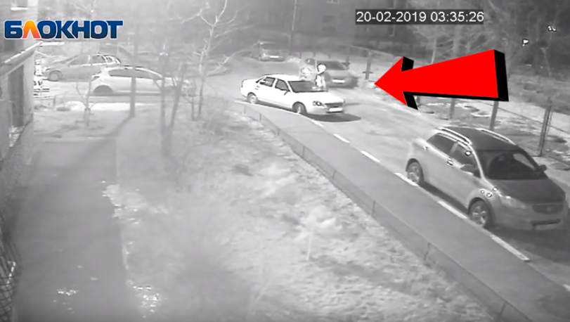 Поджог «Приоры» в Краснооктябрьском районе попал на видео