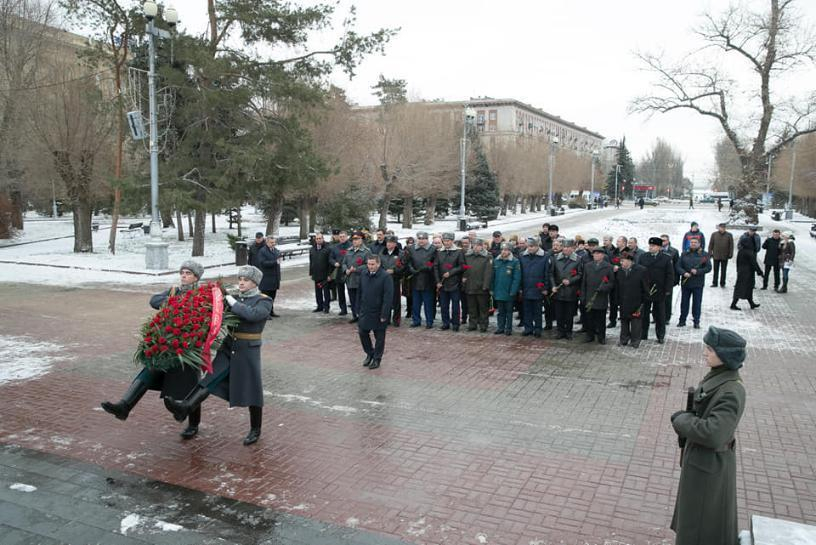 Они что-то знают: администрация Волгоградской области проводит масштабную закупку траурных венков