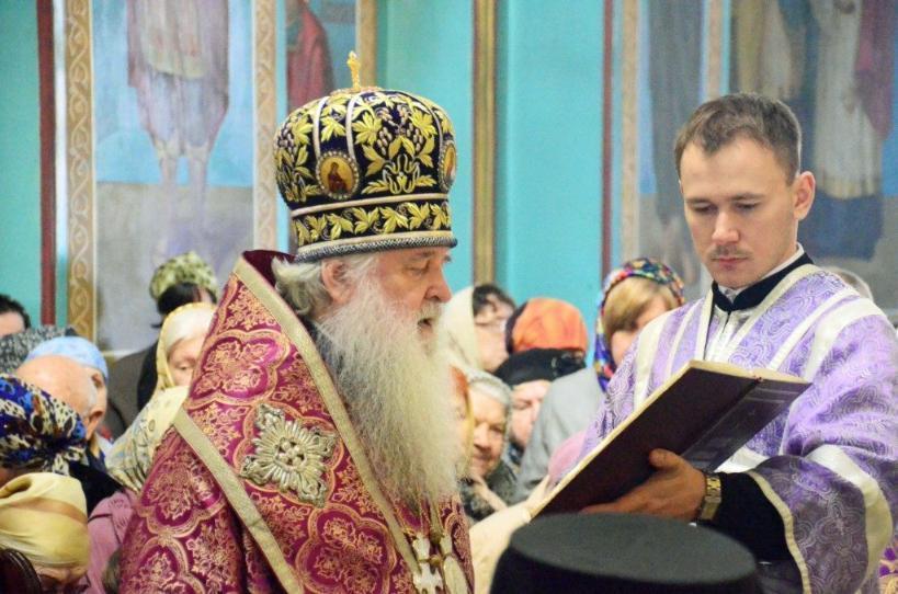 Владыку Германа накануне Крещения наградили медалью