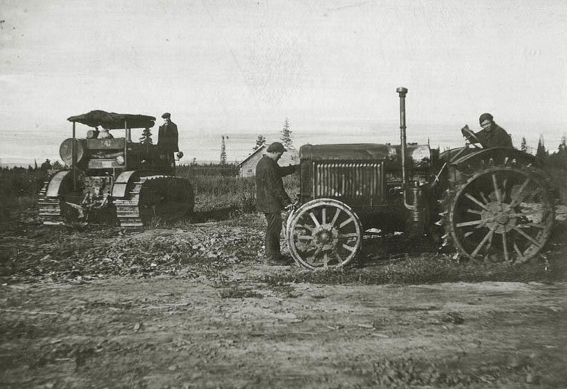 17 июня 1930 год – с конвейера Сталинградского тракторного завода сошел первый трактор