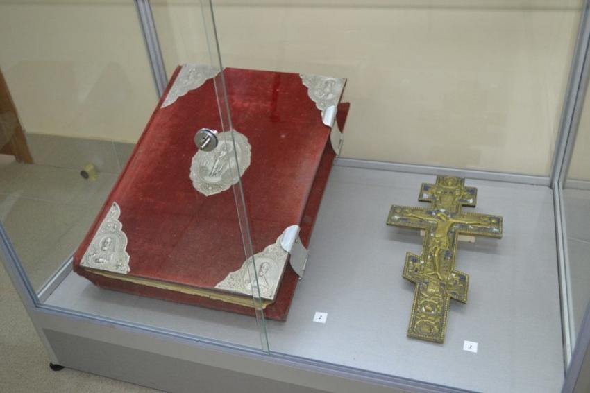 Евангелие и200-летний крест украдены вВолгограде