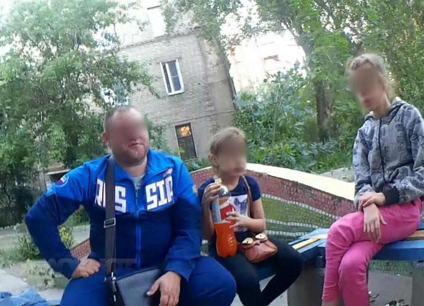 СК отказался проверять пойманного в обнимку с маленькой девочкой волгоградца