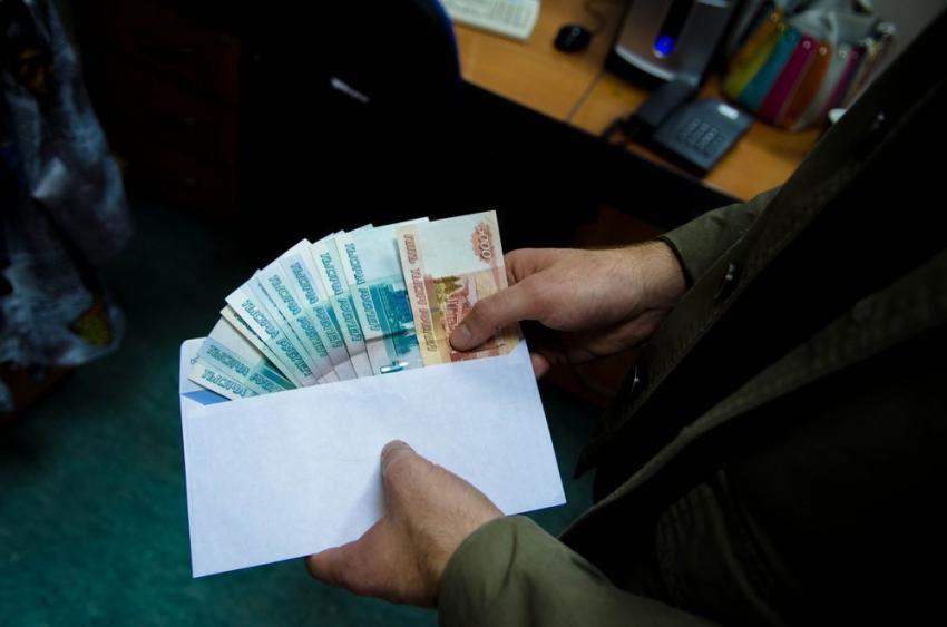 ВВолгограде чиновник районной администрации «доил» бизнесмена