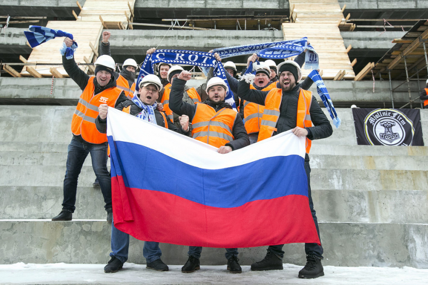 Футбольные болельщики впервые поднялись натрибуны стадиона «Волгоград-Арена»