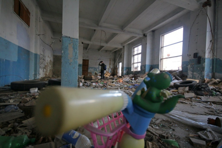 ВВолгоградской области школьника насмерть придавило бетонной плитой