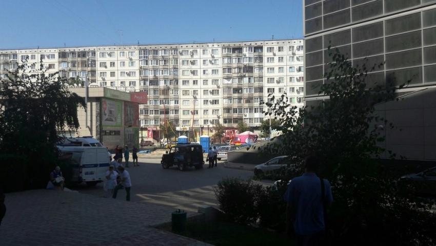 ВВолгограде из-за сообщения овзрыве эвакуировали людей изТЦ