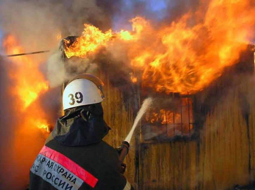 Под Волгоградом устанавливают личность женщины, погибшей напожаре