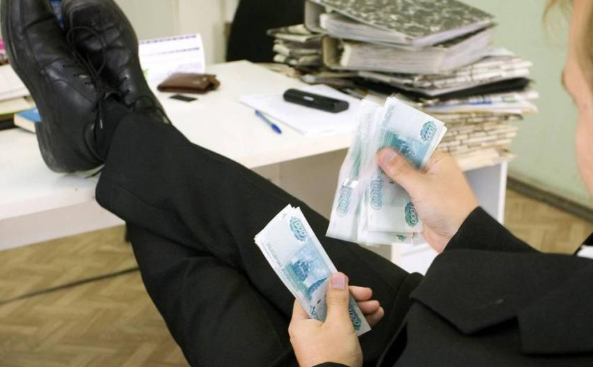 Группу взяточников воглаве сначальником райотдела ЖКХ задержали вВолгограде
