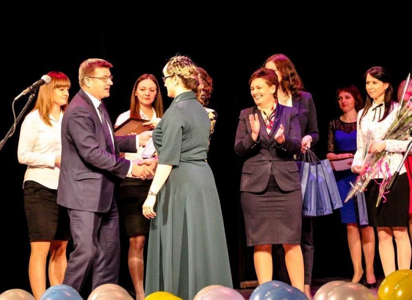 Минобрнауки определило 15 лауреатов конкурса «Учитель года РФ - 2016»