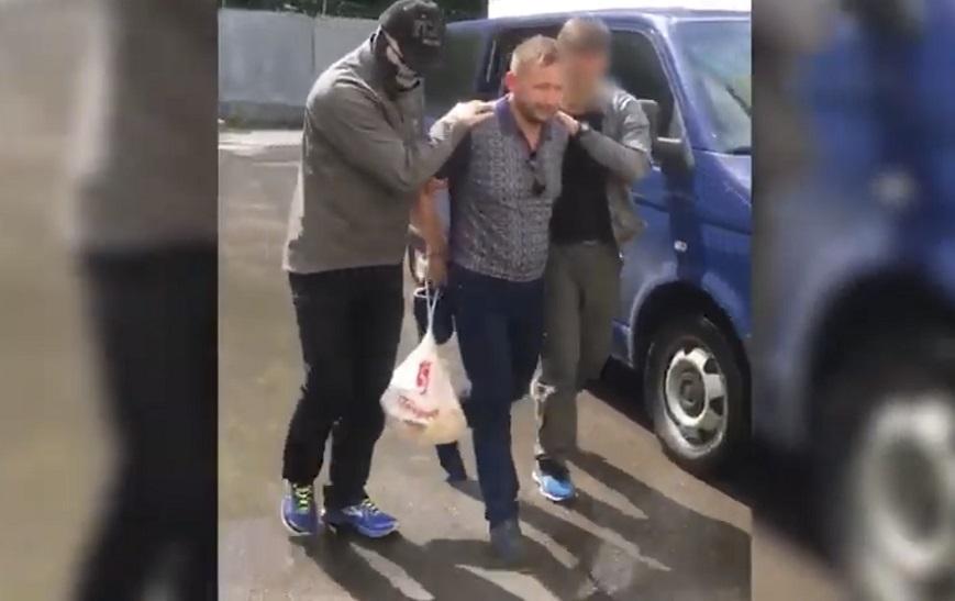Опубликовано видео задержания криминального авторитета Ремезова, подозреваемого в покушении на губернатора Бочарова