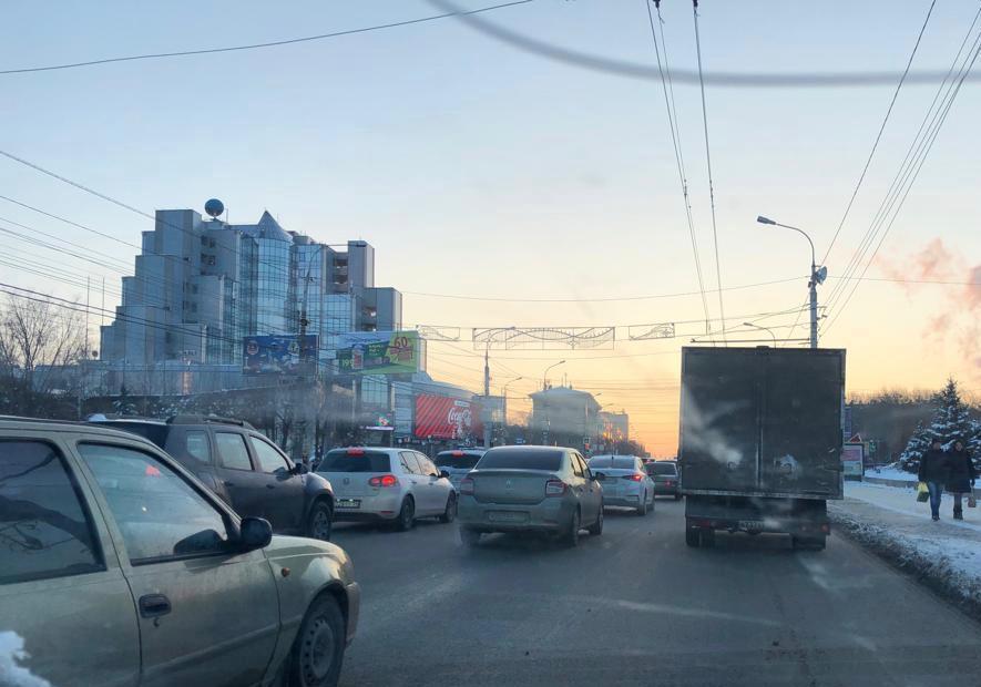Дороги Волгограда парализованы из-за сильного гололеда