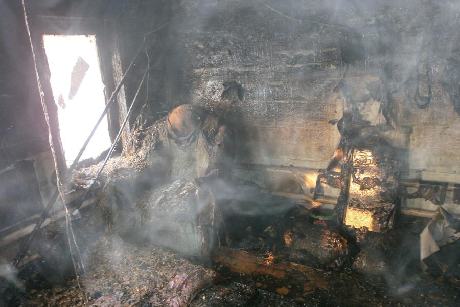 1 сгорела, 1 отравился угарным газом в Волгограде