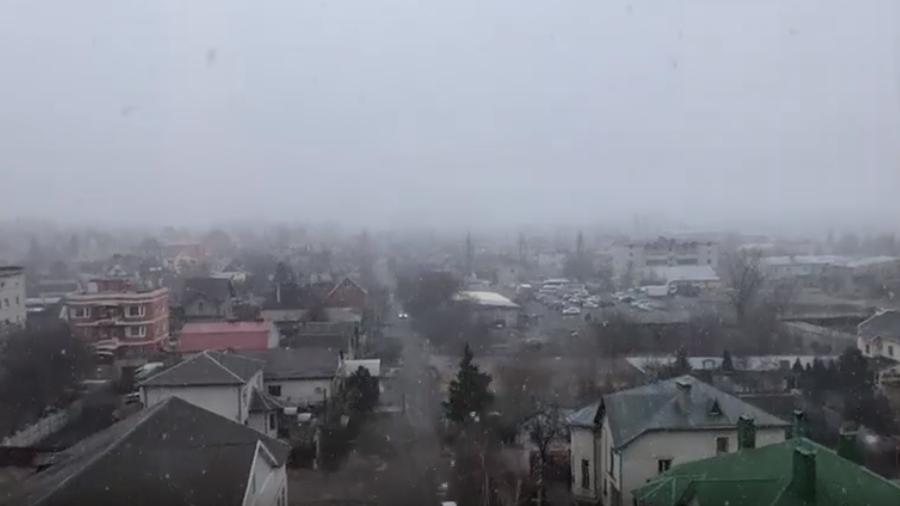 Волгоград накрыл мартовский снег