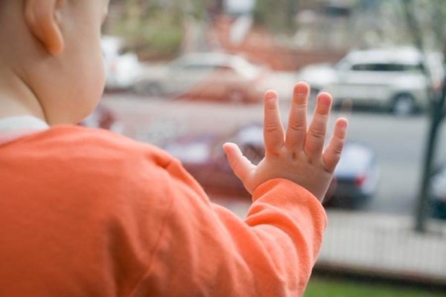 В Волгограде 4-летний мальчик чудом выжил, выпав из окна 4 этажа