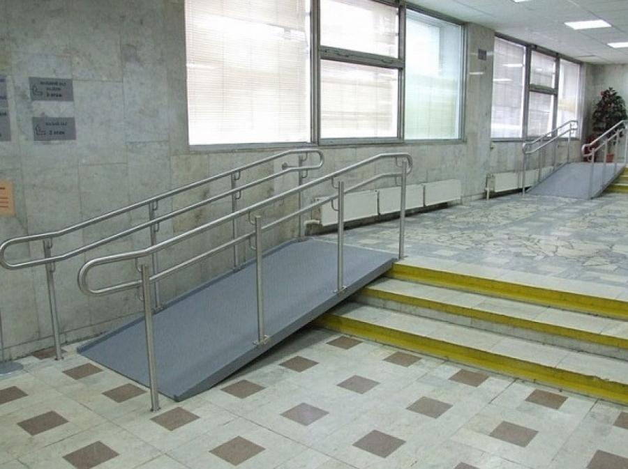 В Волгограде 20 больниц оборудовали подъемниками для инвалидов