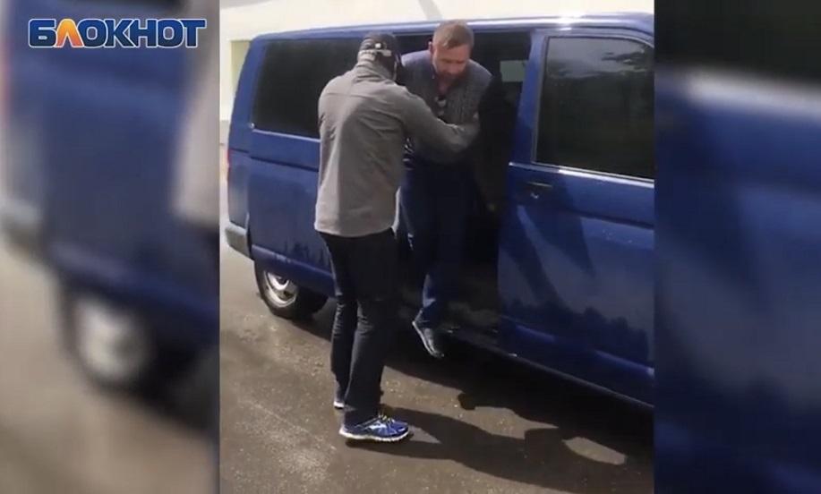 Чем известен Евгений Ремезов, подозреваемый в покушении на главу Волгоградской области