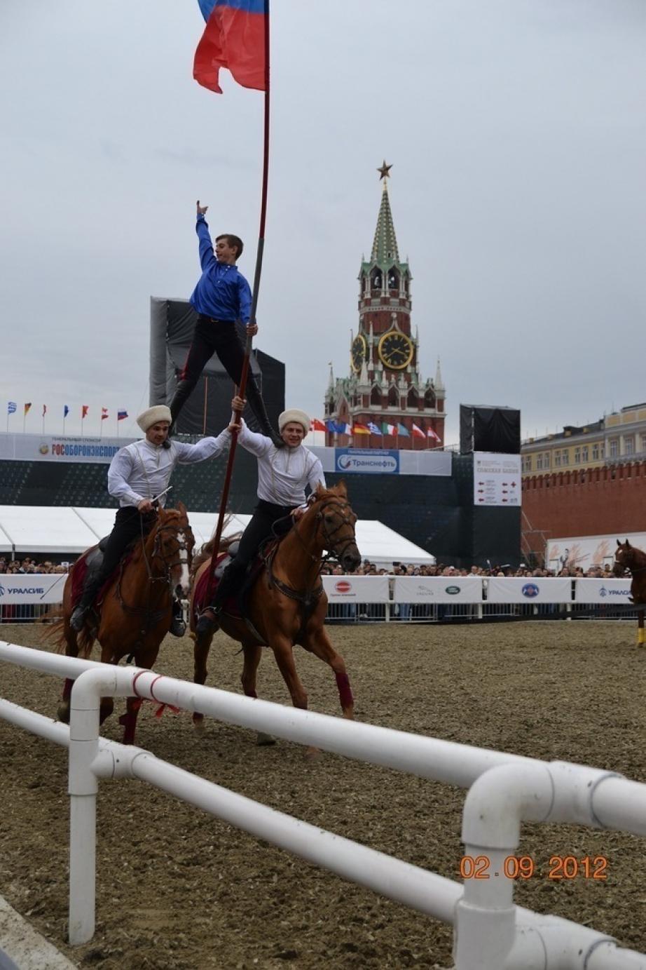 Воспитанники Казачьего конно-спортивного клуба приняли участие в фестивале на Красной площади