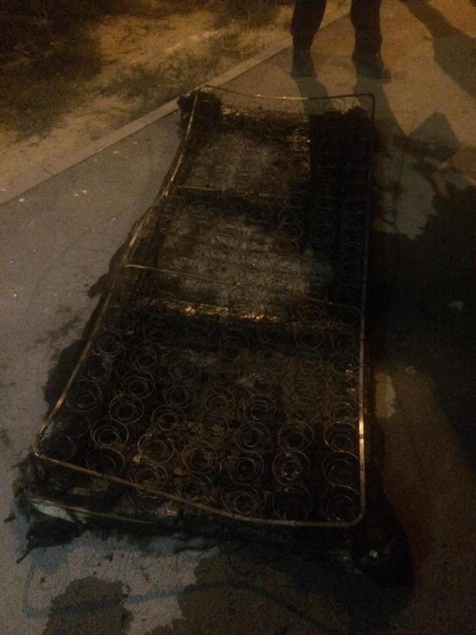 В центре Волгограда на пепелище обнаружены тела двух мужчин