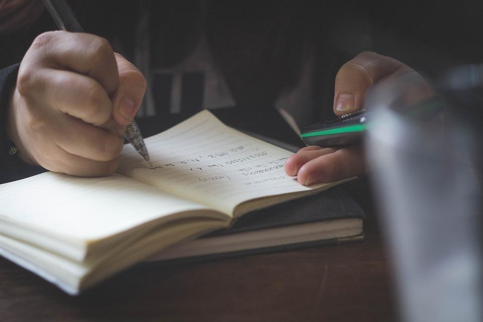 Под Волгоградом иностранка преподавала в трех школах английский и химию по поддельным дипломам