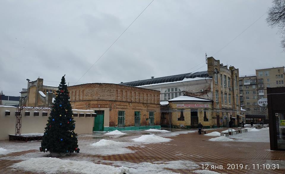 Исторические здания в центре Волгограда изуродуют унылым новостроем