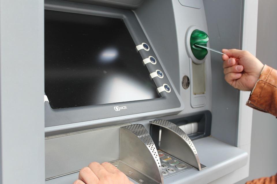 Банк «подарил» социальные выплаты подростка жителю Волгоградской области