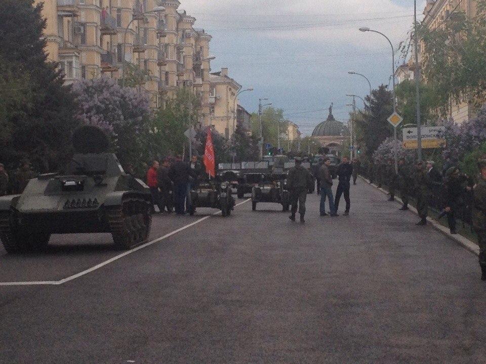 Разломанную от танков улицу Мира в Волгограде отремонтируют после парада Победы