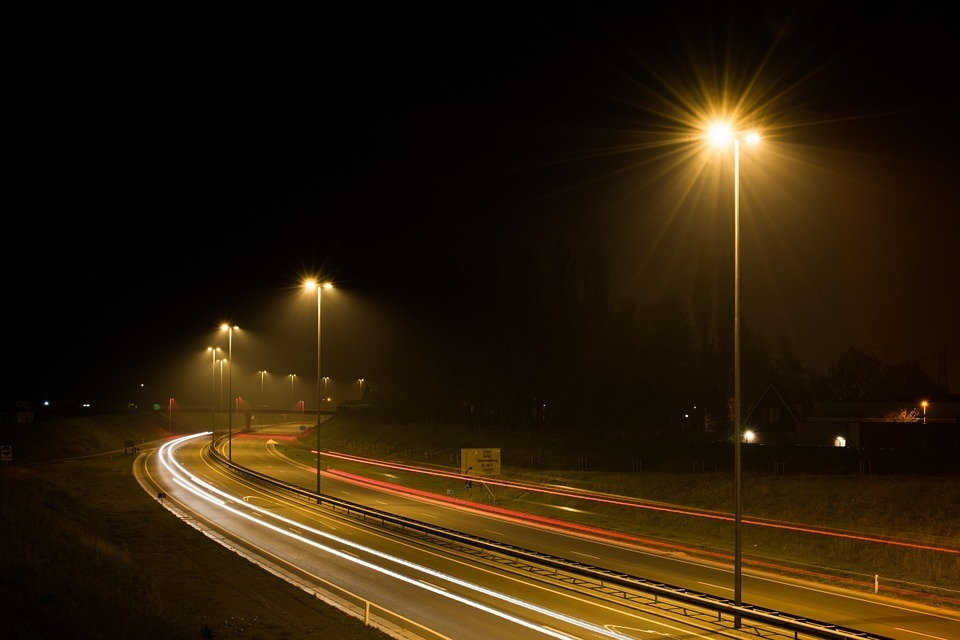 Да будет свет: 11 млн рублей потратят на установку фонарей на трассе Волгоград-Астрахань