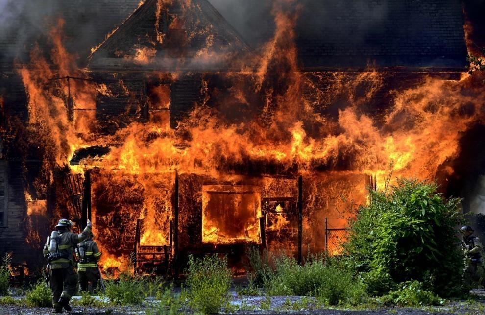 В Волгограде в сарае заживо сгорел 45-летний мужчина