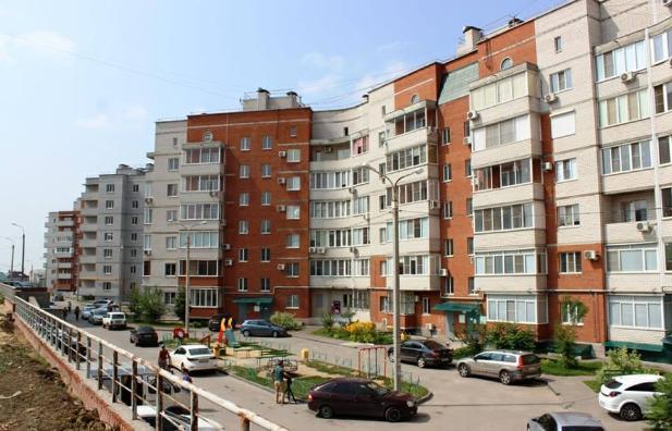 Волгоградские чиновники проверили ступеньки в 145 жилых домах