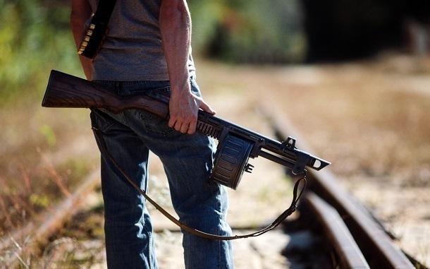 Мужчина из наркологического диспансера разгуливал с оружием по Волгограду