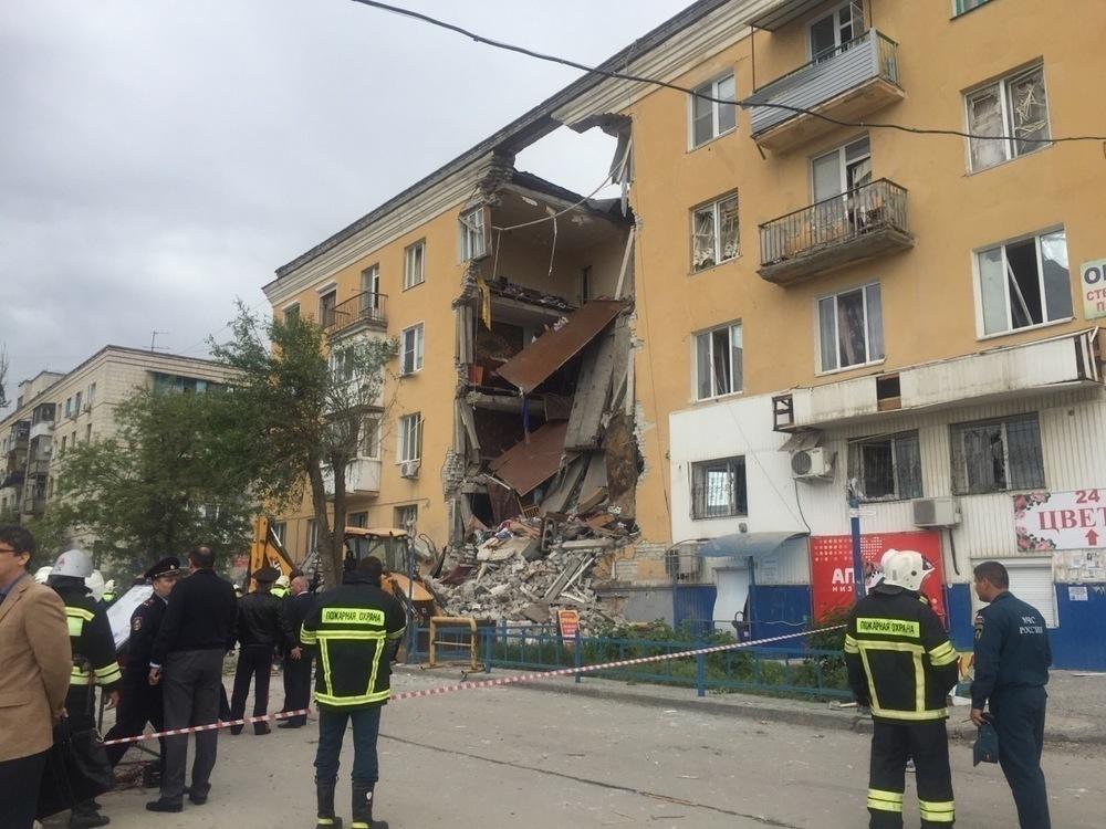2 человека погибли и 9 пострадали при взрыве дома в Волгограде