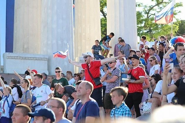 ЧМ-2018 собрал 10 тысяч англичан и тунисцев в Волгограде