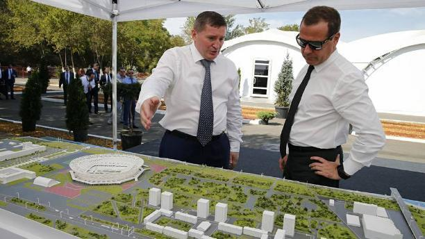 Съест ли волгоградская мошка политическую карьеру губернатора Андрея Бочарова