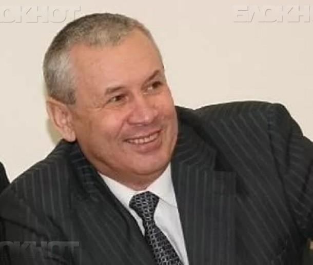 Пенсионера назначили управделами администрации Волгограда