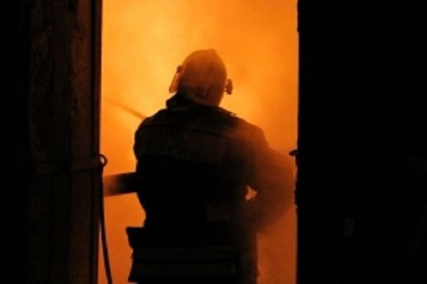 Иномарка Nissan Almera сгорела в Советском районе Волгограда