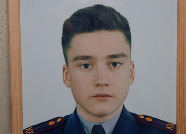 Отец убитого в волгоградской школе 14-летнего мальчика отсудил у департамента образования полмиллиона рублей