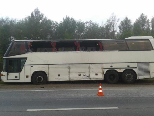 На трассе Самара-Волгоград «Газель» влетела в автобус с 30 пассажирами