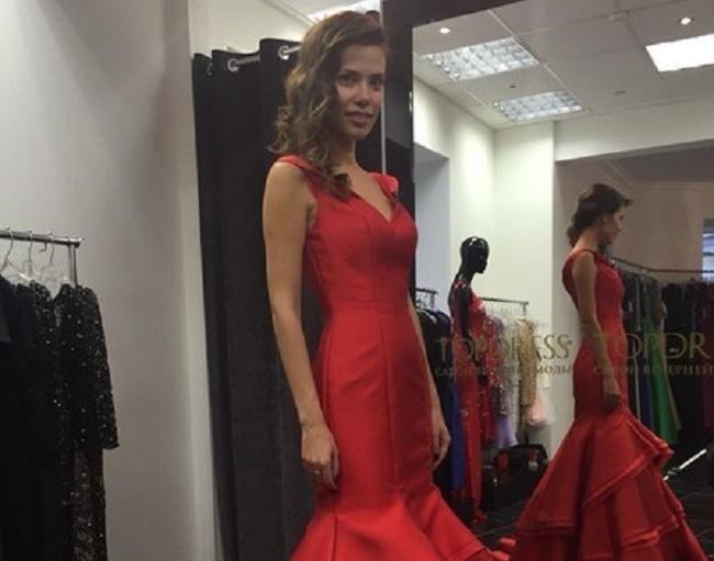 «Must have»: В чем модницам Волгограда встречать год Огненной Обезьяны?