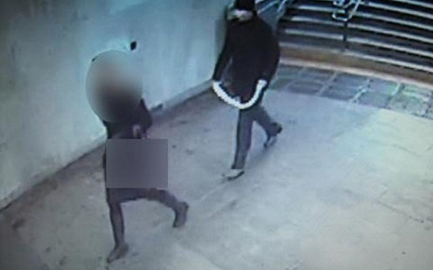 Волгоградка не поверила грабителю, напавшему на нее в подземном переходе