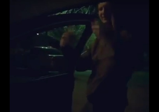 Молодой волжанин устроил Kiki Challeng с двигающимся авто