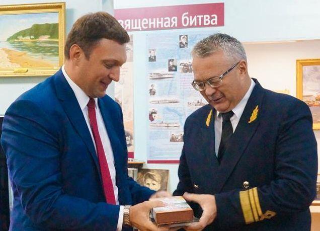 Многодетный депутат уехал из Волгограда к комплиментам и поздравлениям