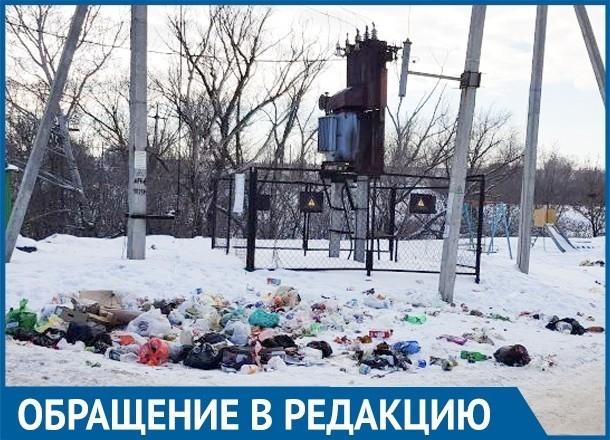 """Путь к школе Советского района Волгограда пролегает через «мусорный полигон"""""""
