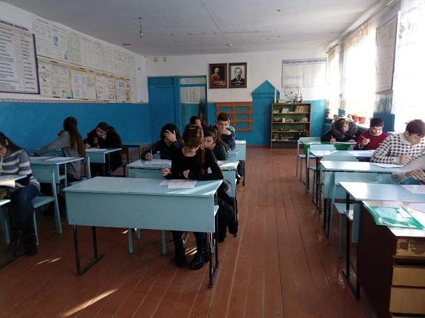 Это мог быть протест против закрытия школы, - волгоградский эксперт о принесшем в класс топор и бензин ученике