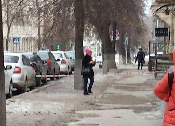 Центр Волгограда оцепили из-за угрозы взрыва