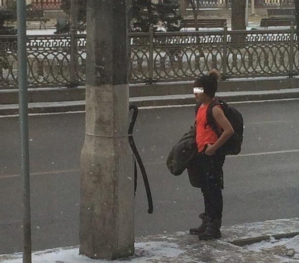 Раздетый в мороз волгоградский школьник стал хитом Интернета