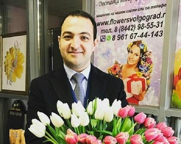 Машину директора коллектива «Тодес.Волгоград» Артема Татосяна сожгли неизвестные