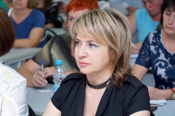 Волгоградский депутат, философ и просто красавица сегодня будет есть торт
