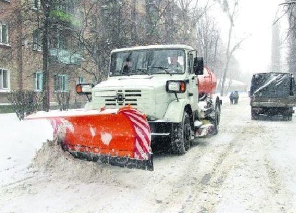 По волгоградским дорогам рассыпали 60 тонн едкого реагента