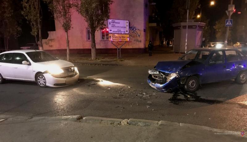 26-летняя девушка устроила тройное ДТП в Волгограде: мужчина в больнице